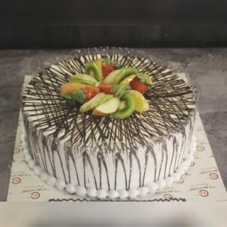 Jungle Themed Fondant Cake
