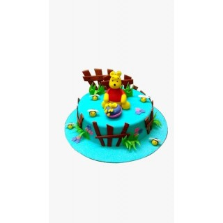 Winnie-the-Pooh Fondant Cake