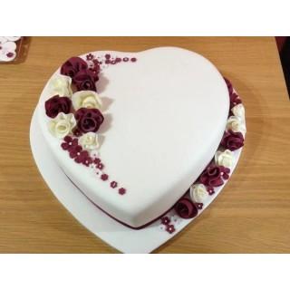 Floral Heartin Fondant Cake