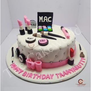 Makeup set theme cake